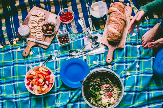 Food and beverages - Tips for Organizing a Neighborhood Picnic